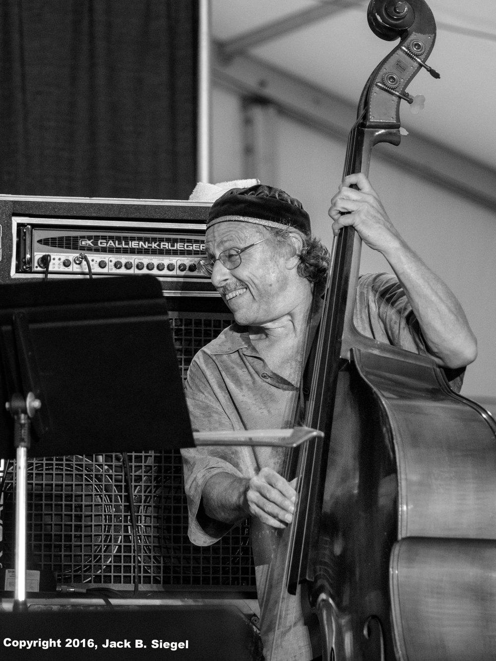 Bassist Joe Fonda with Barry Altshul