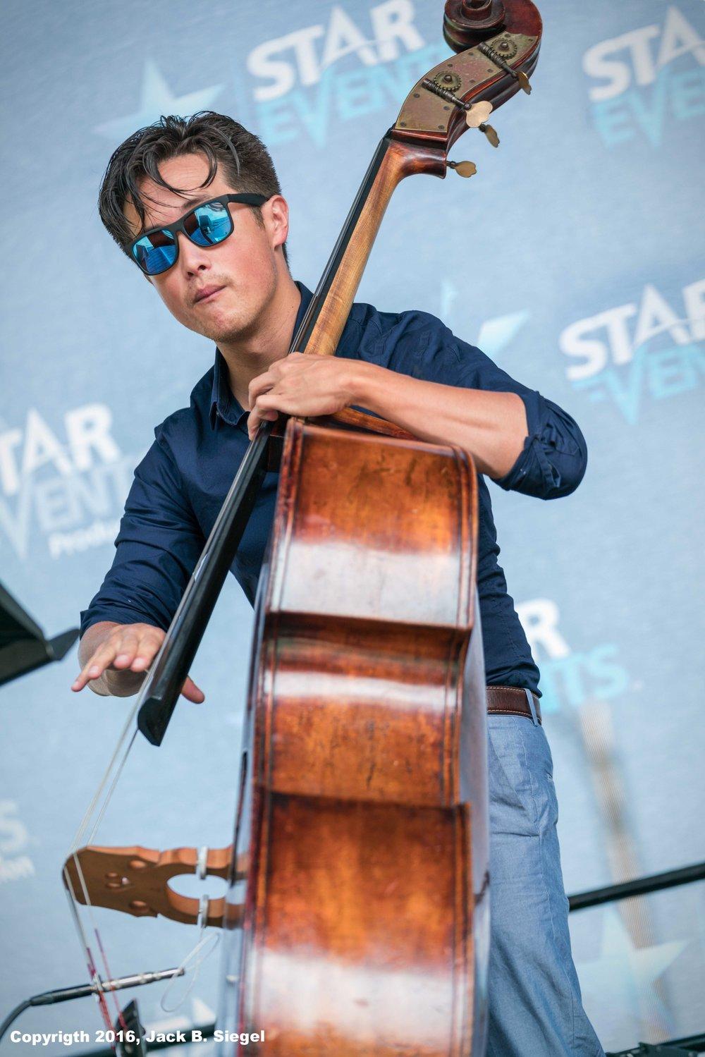 Kurt Schweiz on Bass with Willie Pickens