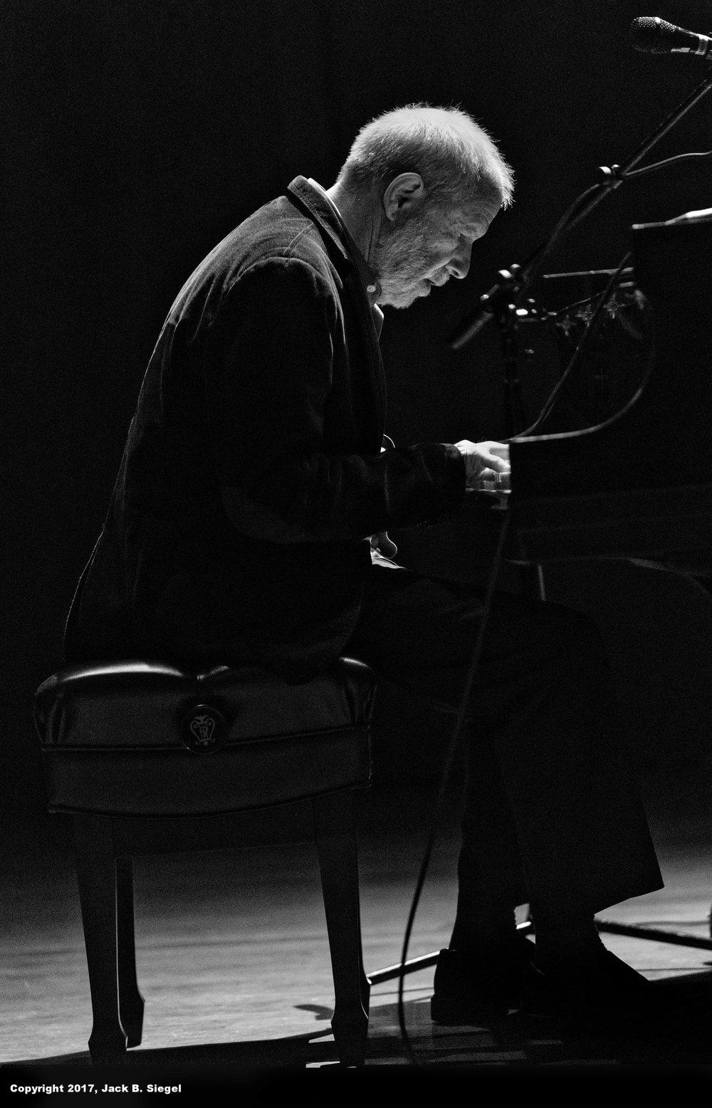 _DSC8313_Copyright_sRGB_Relative_Blues Piano Man.jpg