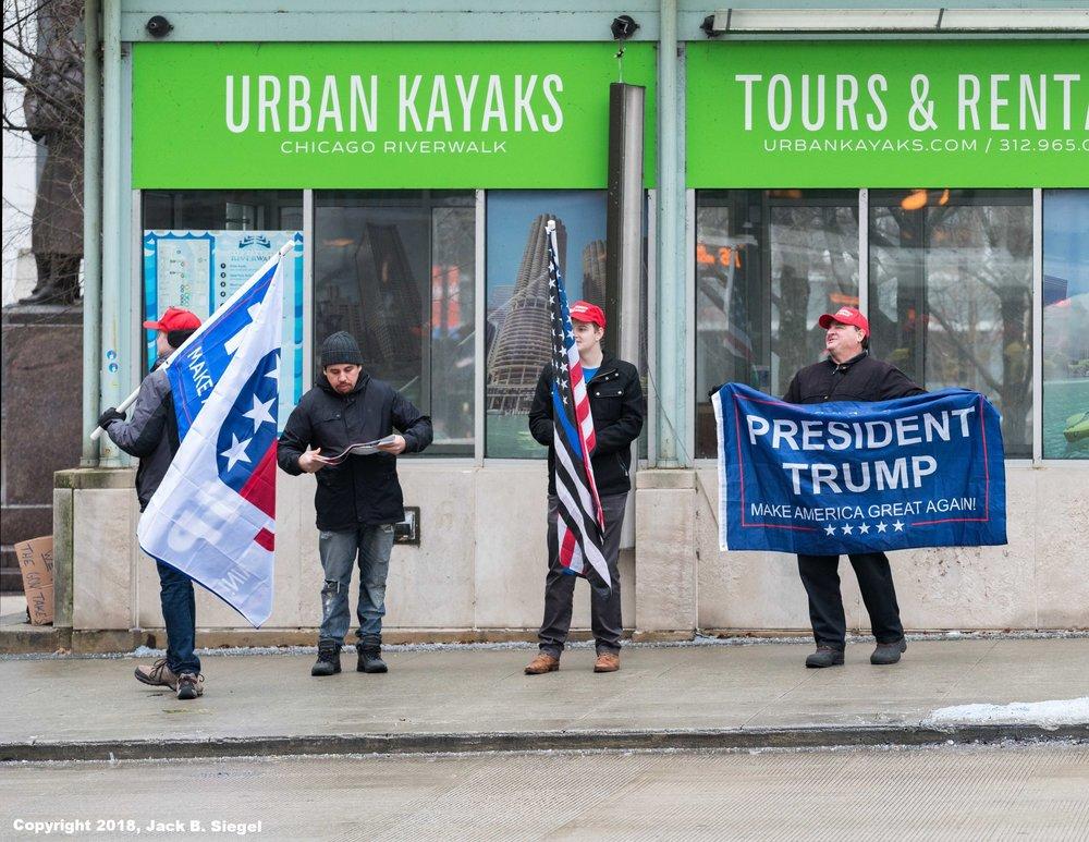 _DSC7394_Copyright_sRGB_Relative_Trump Supporters.jpg