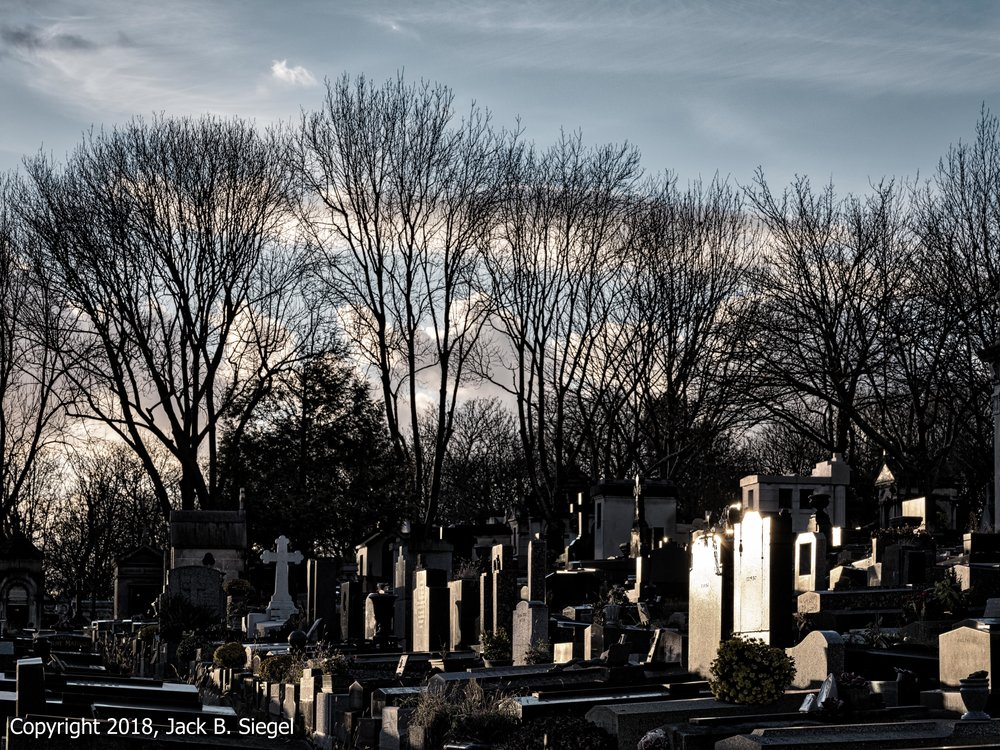 _DSF5641_Copyright 2018 jpeg_Père Lachaise- Blue Skies as the Sun Sets on a December Saturday.jpg