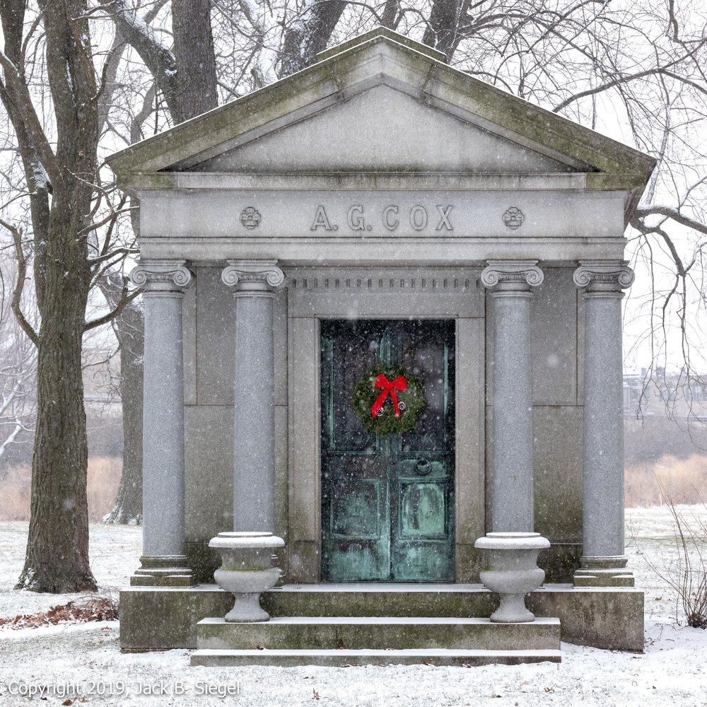 _DSF1547PS__Copyright 2018 jpeg_Wreath During Snowfall.jpg
