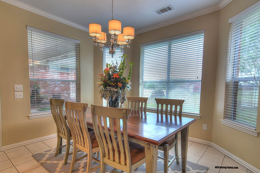 breakfast room staged