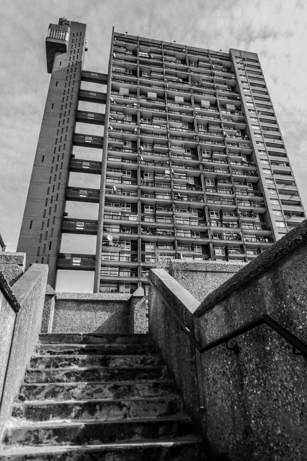 Trellick Tower - London, England - Erno Goldfinger