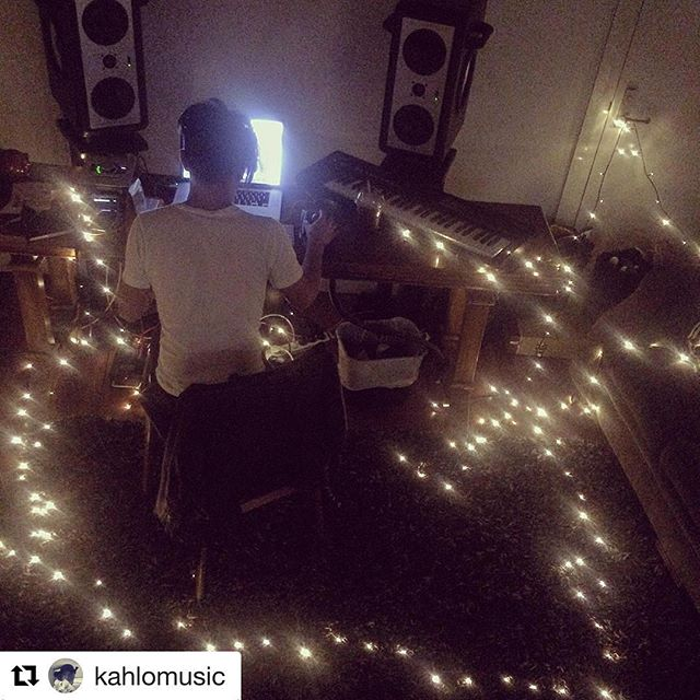 #Repost @kahlomusic ・・・ Vibes in the studio today for #day2 of #50songsin5days. Fairy lights galore!! As @turquoiseprince calls it... 'Vibskies' 😉 . #songhubs