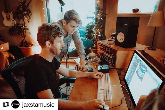 "50 Songs fave @lr.jackson spoke with the team at @jaxstamusic about his incredible career as a writer/producer! Check out the full write up at blog.jaxsta.com 🎧 📸 @expsoundsau. . #Repost @jaxstamusic with @repostapp ・・・ Humans of Music: ""I feel like there's something in the water where I'm from because I keep crossing paths with so many great musicians who I later find out come from the Central Coast too."" @lr.jackson. Read what else Lindsey had to say over on our #HumansofMusic blog.  #storybehindthemusic #thepowerofmusic #LindseyJackson #Producer #Writer #50songin5days #songwriter #vocalist"