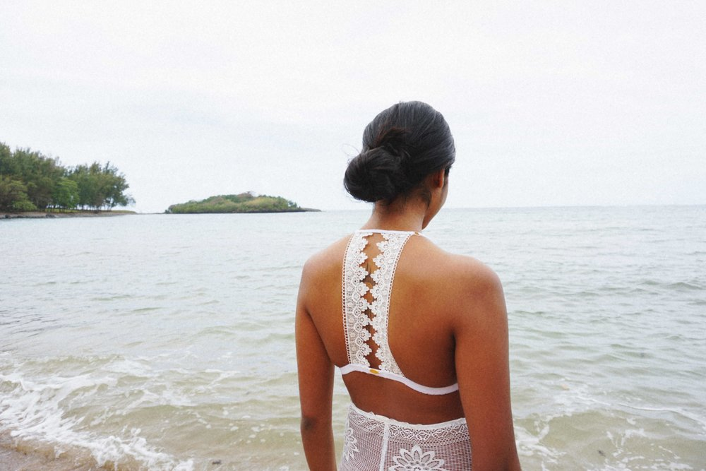 Kiara - Kiara wearing Zahliah in Mauritius