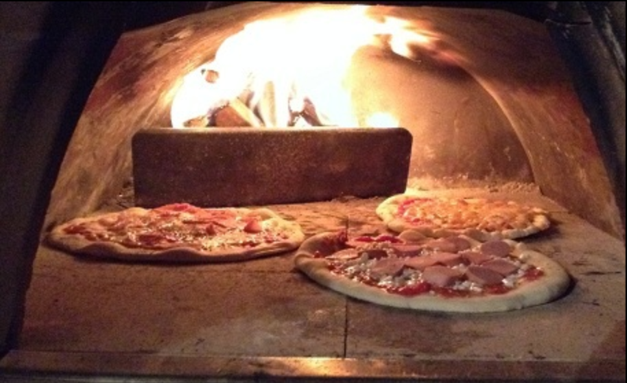 Woodfire Pizza! - http://www.handmadepizzaco.co.uk will be serving made to order, 9