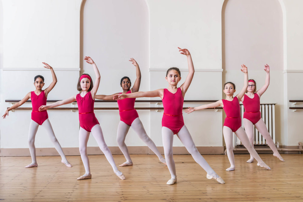 ballet-class-rnsd-red-leotards-girls-rutleigh-norris-school-of-dance.jpg