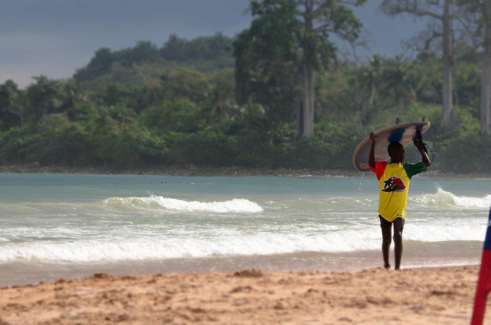 Busua Surfer (2013)