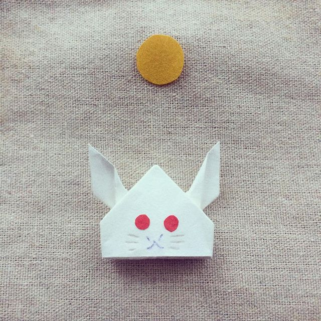 rabbit & moon - #fullmoon #rabbit #おつきみ #origami #うさぎ #月 #papercraft #autumncrafts #japaneseculture #中島種二 #カワイイヲリガミ細工 #cochae