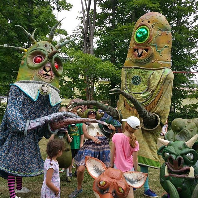 Throwback to several weeks ago when we were limboing with the @bignazo worm giants! • • •  #tbt #westfulton #ilovewestfulton #westfultonarts #puppetry #westfultonpuppetfestival #puppetfestival #puppets #schohariecounty #schoharie #upstateny #iloveny #exploreschohariecounty #exploreny #puppetfestival #puppetsofinstagram #puppetshow #localarts #supportlocalarts #newyorkexplored #familyvacation #familyadventures #kidsactivities #staycation #nyadventures