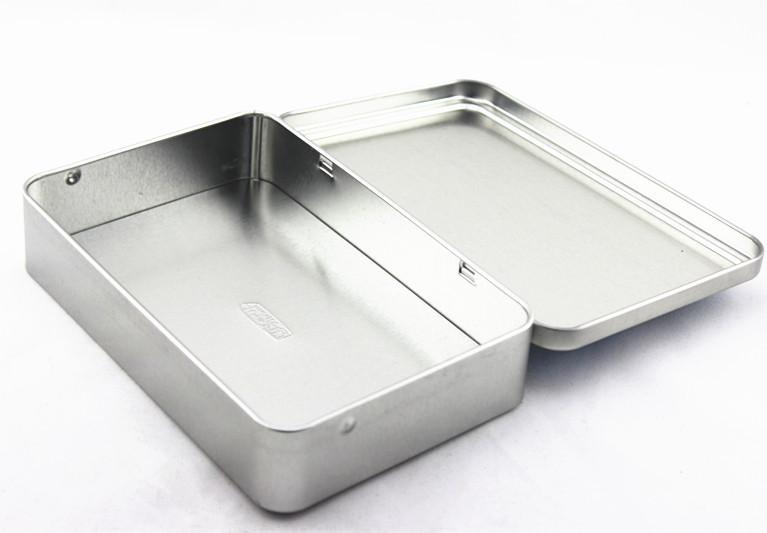 boîtes en métal toutes tailles et formes