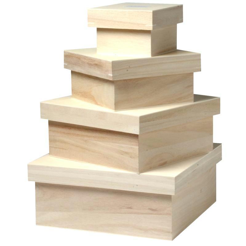 diverses boîtes en bois