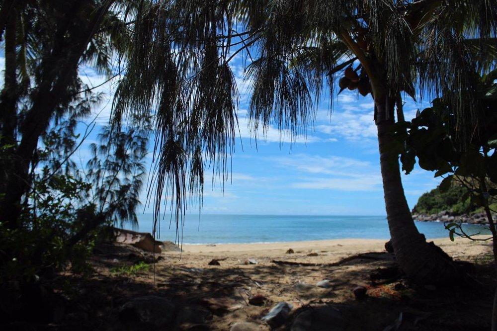 Adults only beach resort Australia Cairns,  clothing optional Beach cairns,  absolute beachfront accommodation Port Douglas,LGBTIQA accommodaton resort Port Douglas QLD,