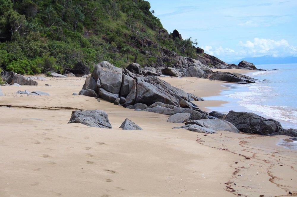 Adults only beach resort Australia Cairns, clothing optional Beach cairns, absolute beachfront accommodation Port Douglas,LGBTIQA accommodaton resort Port Douglas QLD