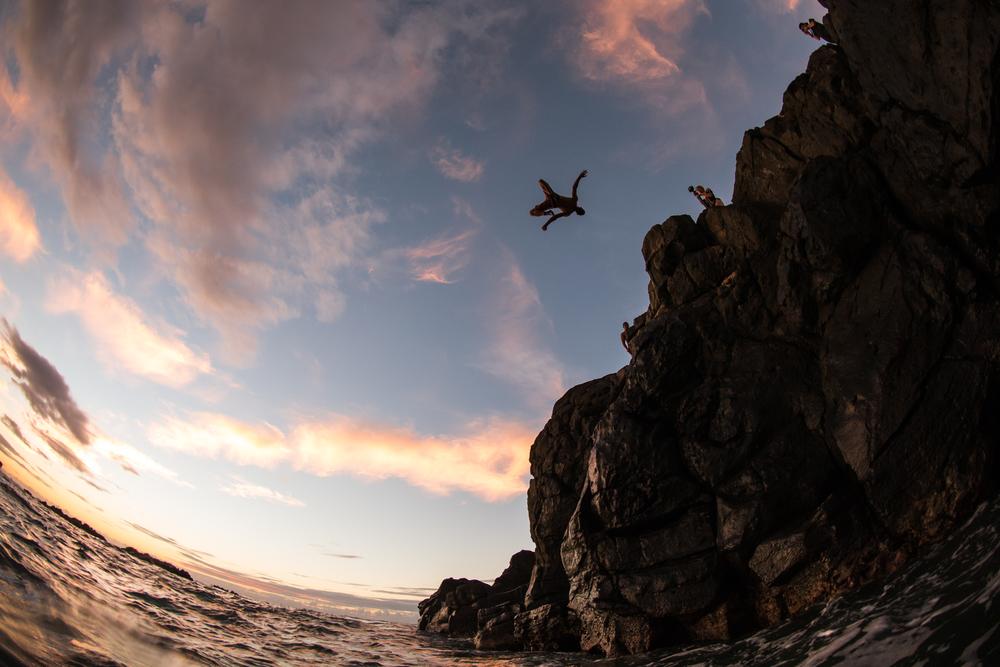 Waimea Bay Cliff Diving