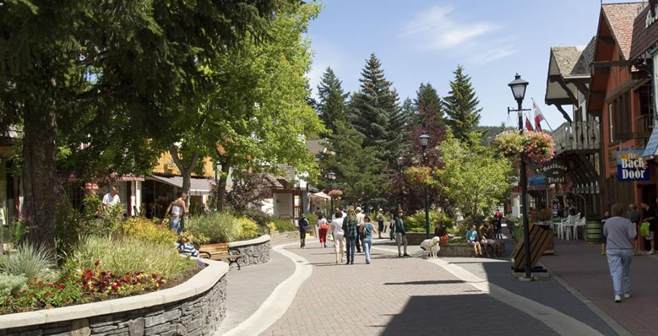 MONDAY, SEPTEMBER 24th - Tech Gathering in Kimberley | A gathering of tech-related people across various industries in Kimberley to discuss who's here, and how to develop a tech-related consortium in Kimberley. This will be facilitated by Karilyn Kempton. Karilyn is the tech strategy coordinator for the city of Revelstoke, where she's spent the last year and a half focused on community building within the local tech sector, supporting local tech companies, helping non-tech companies adopt new technologies, fostering tech opportunities for youth and seeking out new tech opportunities for Revelstoke.* Hosted by Kimberley & District Chamber of Commerce
