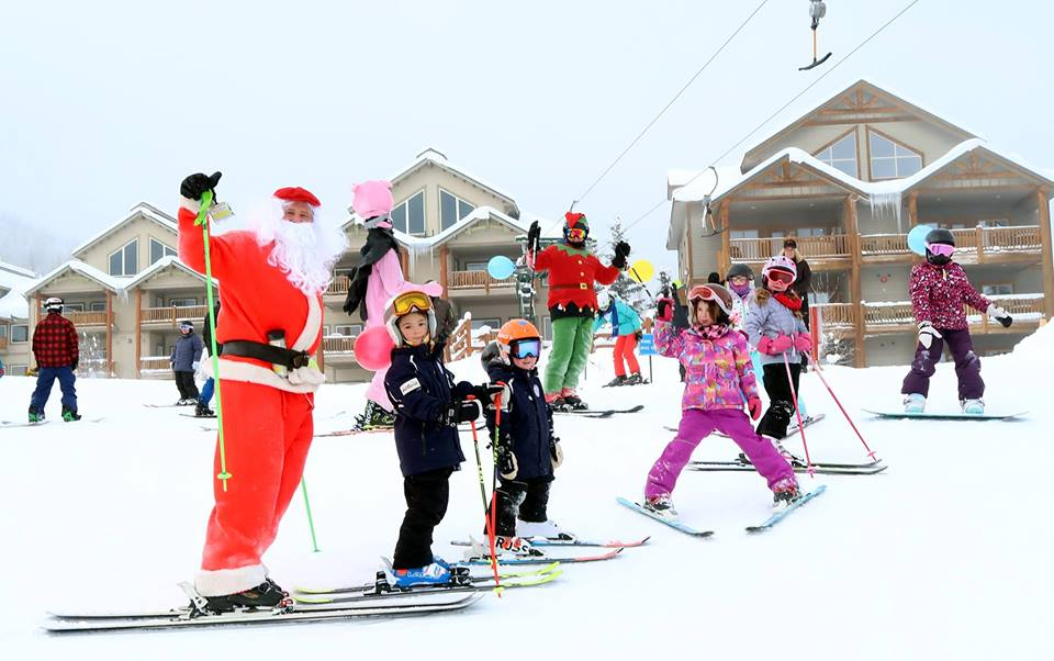 MONDAY, DECEMBER 24th - Ski in Santa's Balloon Parade | Santa and his Elf will lead you down the T-BAR in Santa's Balloon Parade. Please meet at the Kidz Tent in the KAR Plaza at 1:45pm to get your balloon, give Santa a high five and pose for a group picture. Families encouraged!Skiers and boarders welcome but must be able to turn, stop and ski the T-Bar.* Hosted by Kimberley Alpine Resort