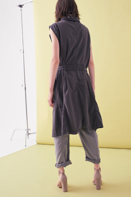 Sarah_Swann_SS17_07_Garment_Dyed_Cotton_Sleeveless_Long_Jacket_Slate_B.jpg