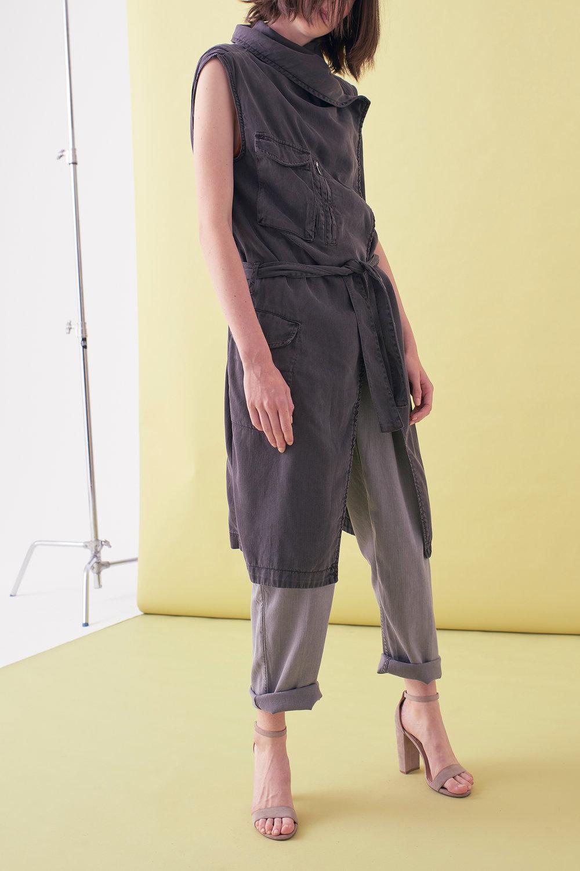 Sarah_Swann_SS17_07_Garment_Dyed_Cotton_Sleeveless_Long_Jacket_Slate_F01.jpg