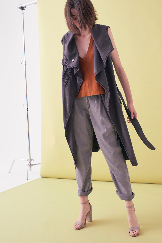 Sarah_Swann_SS17_07_Garment_Dyed_Cotton_Sleeveless_Long_Jacket_Slate_F02.jpg
