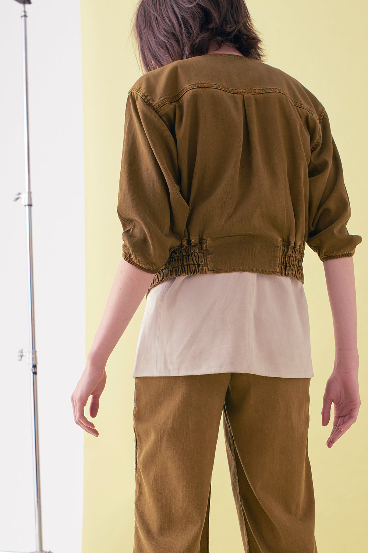 Sarah_Swann_SS17_09_Garment_Dyed_Cotton_Short_Utility_Jacket_Olive_B.jpg