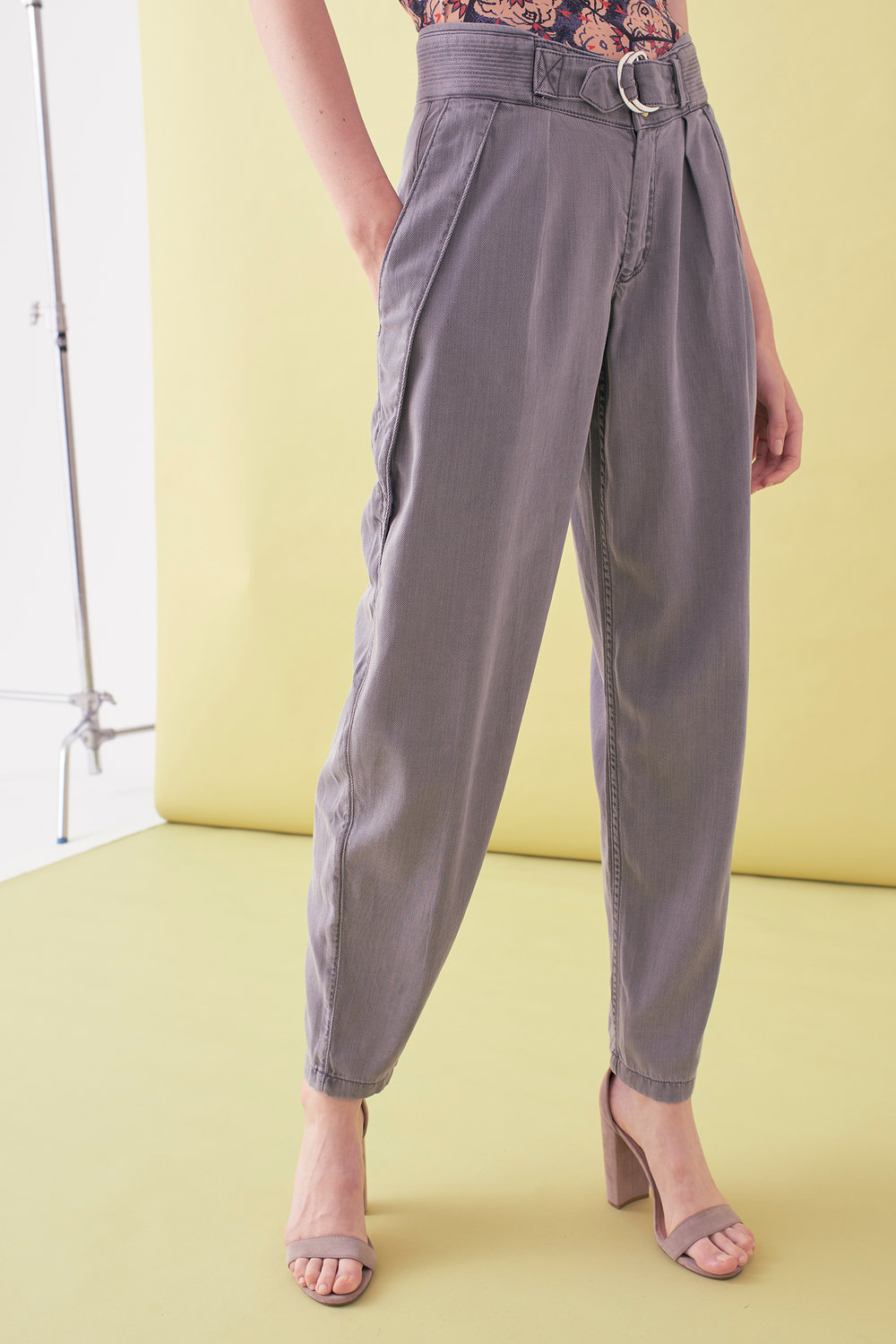 Sarah_Swann_SS17_24_Garment_Dyed_Cotton_Long_Tapered_Trouser_Pewter_F02.jpg