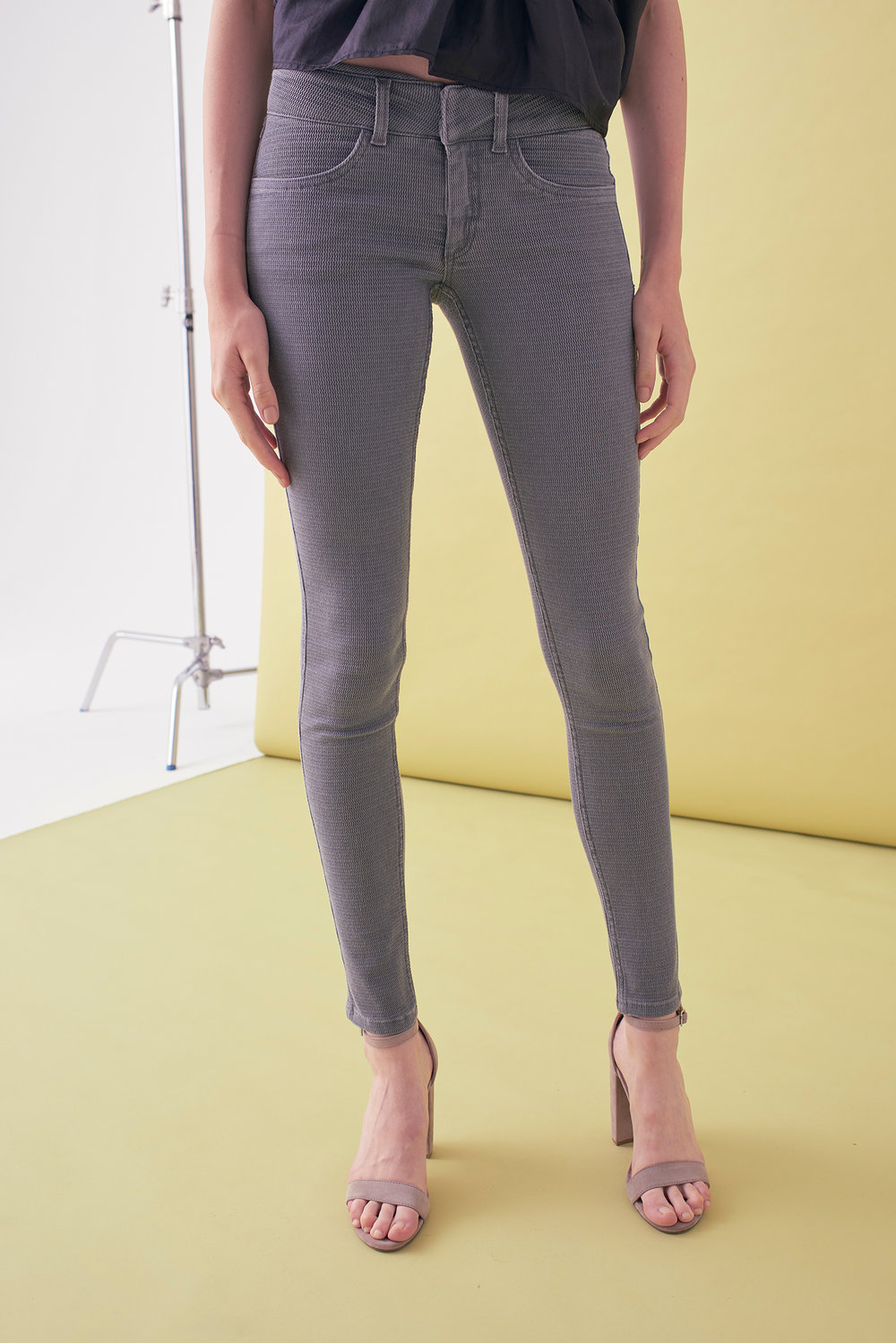 Sarah_Swann_SS17_09_Textured_Stretch_Cotton_Skinny_Trouser_Pewter_F.jpg