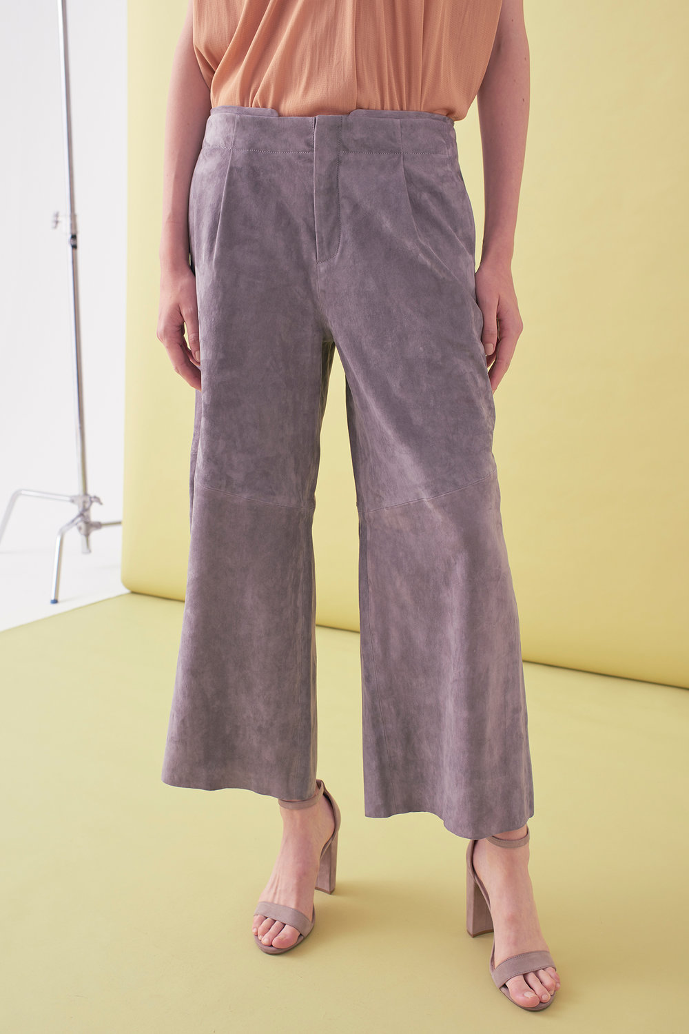 Sarah_Swann_SS17_37_Suede_Cropped_Wide_Leg_Trouser_Pewter_F.jpg