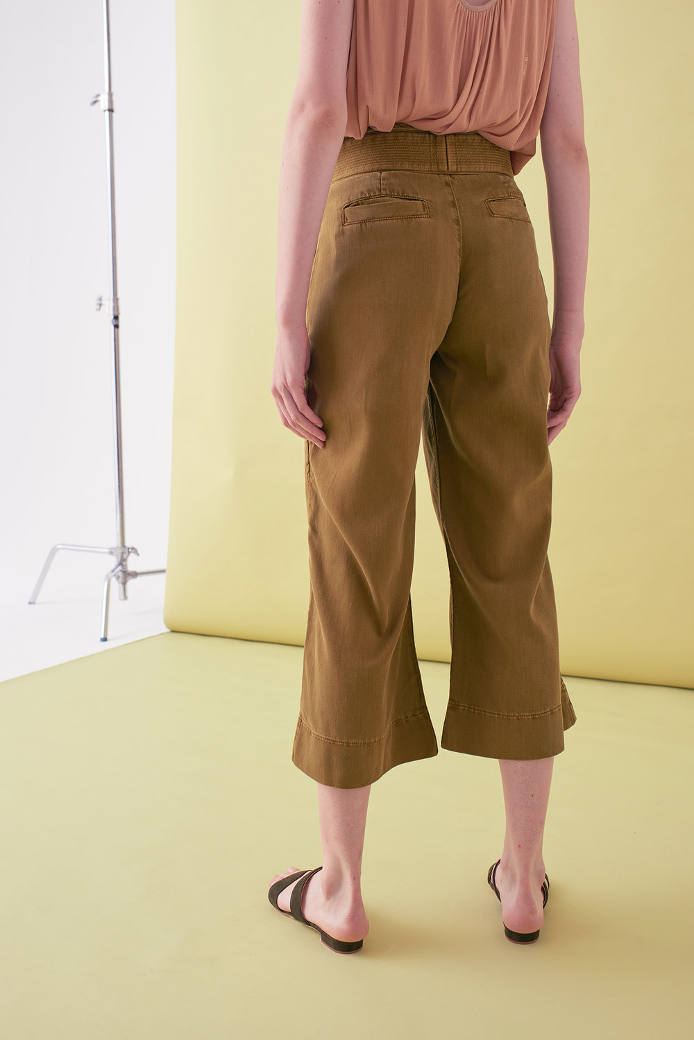 Sarah_Swann_SS17_16_Garment_Dyed_Cotton_Wide_Cropped_Trouser_Olive_B.jpg