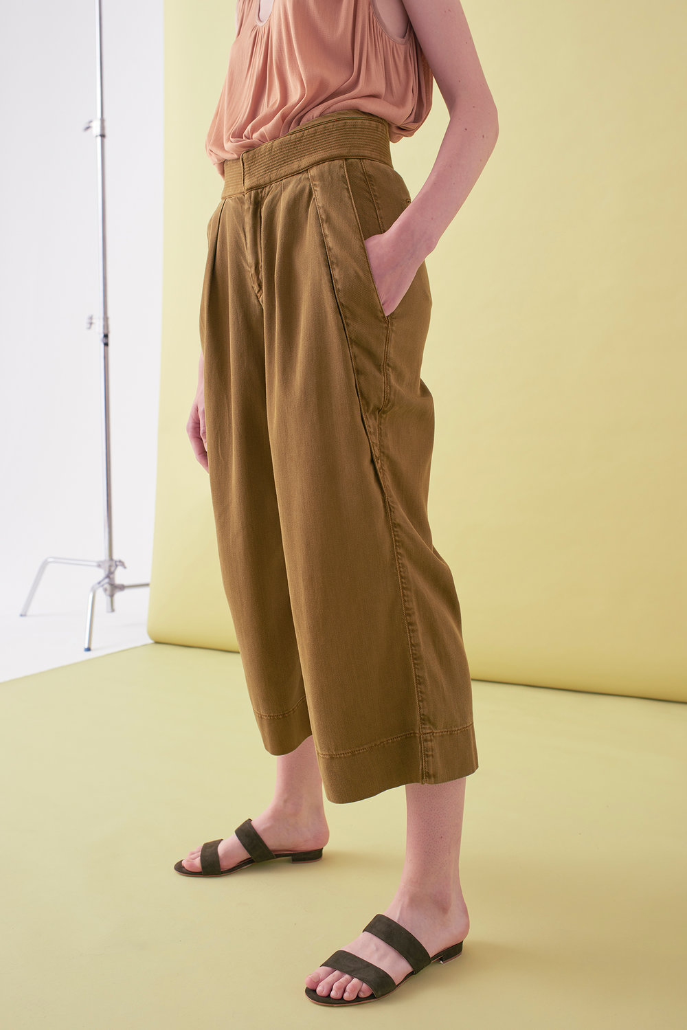 Sarah_Swann_SS17_16_Garment_Dyed_Cotton_Wide_Cropped_Trouser_Olive_S.jpg