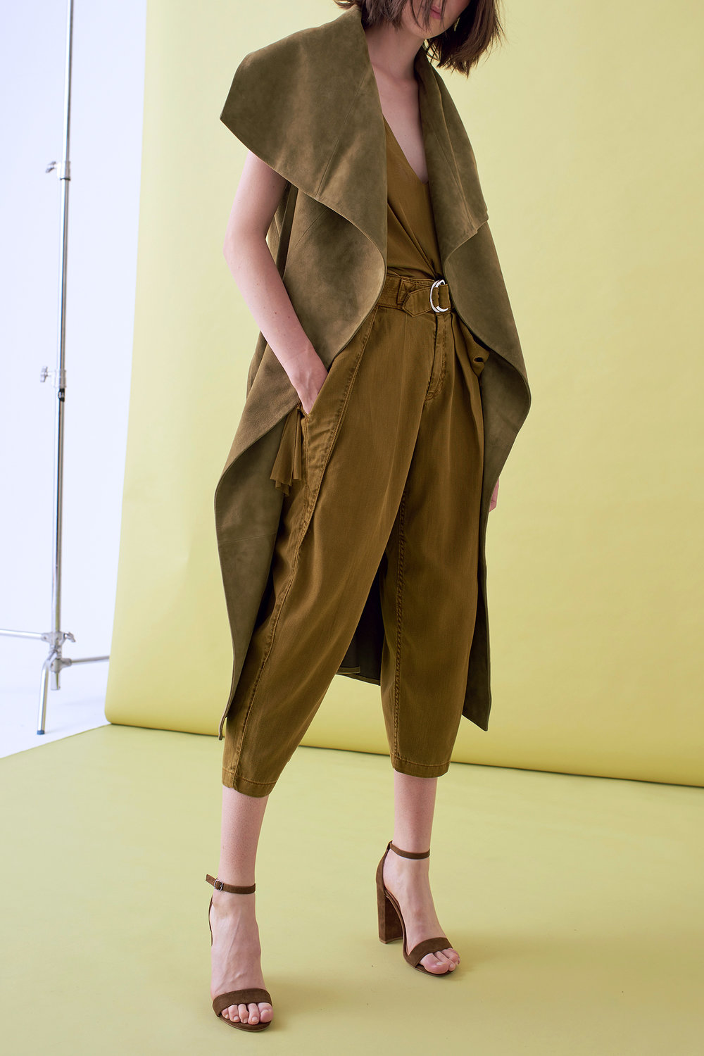 SUEDE SLEEVELESS LONG JACKET   –    IN STOCK