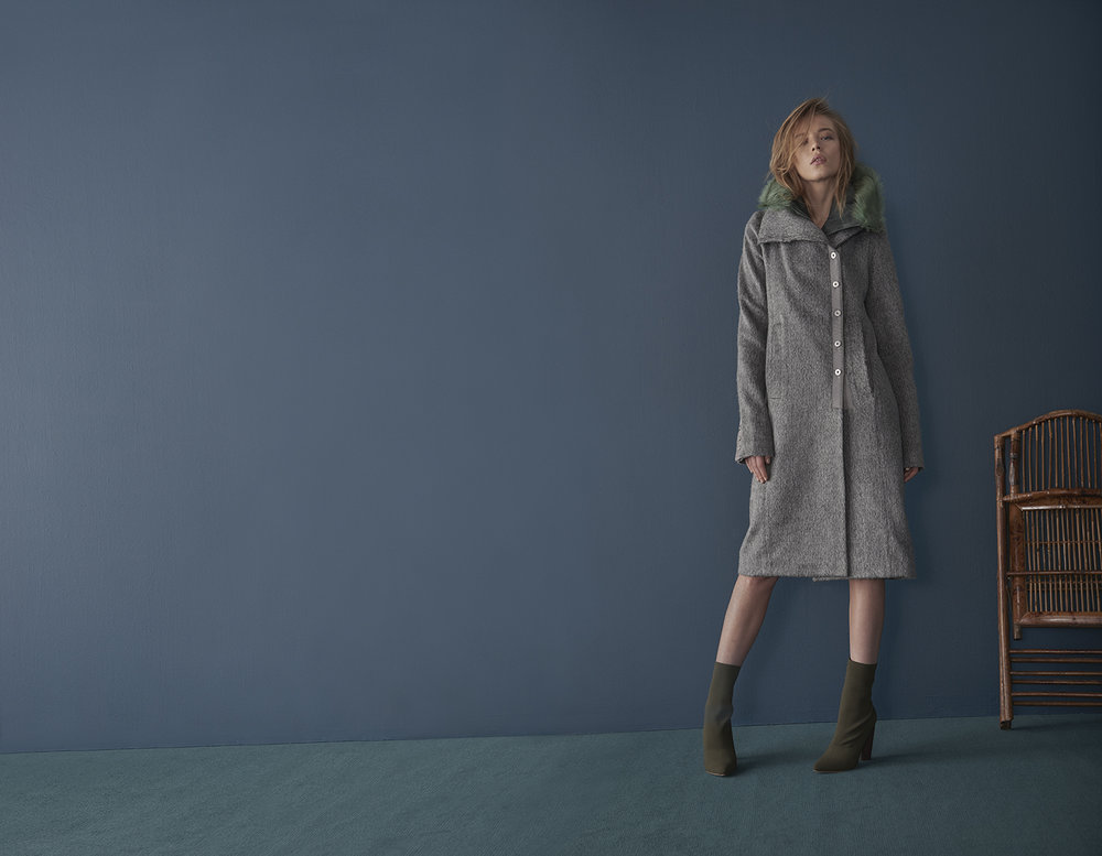 GREY MARL COAT WITH DETACHABLE GREEN FUR HOOD