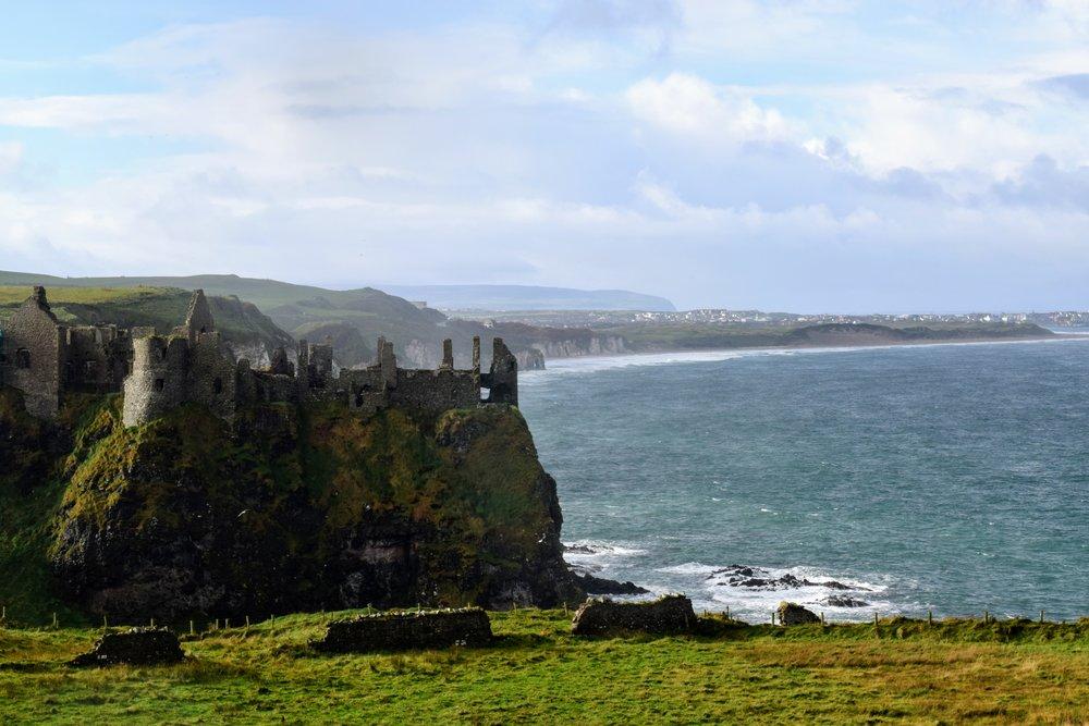 Dunluce Castle & the Antrim Coast (Nikon D3300, 50mm, f/16, 1/160 sec, ISO 400)
