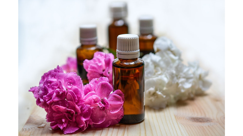 essential-oils-natural-medicine-headache-relief.jpg