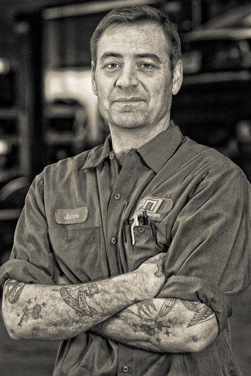 pacific_motorsports_mechanic_portrait.jpg