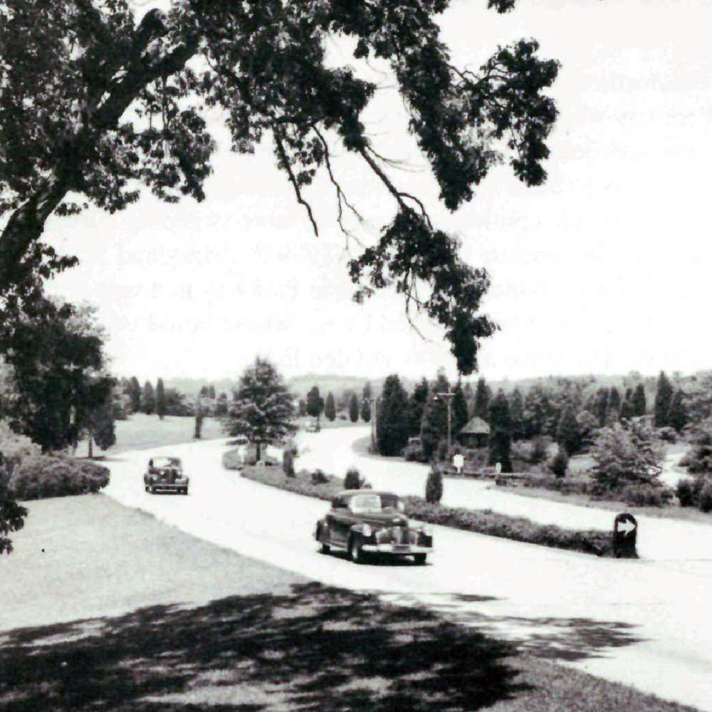 George Washington Memorial Parkway in 1946.  NPS  photo