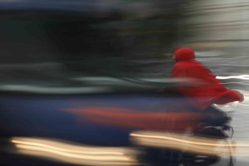 Anatoly Rudakov, Das rote Cape, 2012, Photographie, Maße variabel,C-print auf Fuji Archive Papier