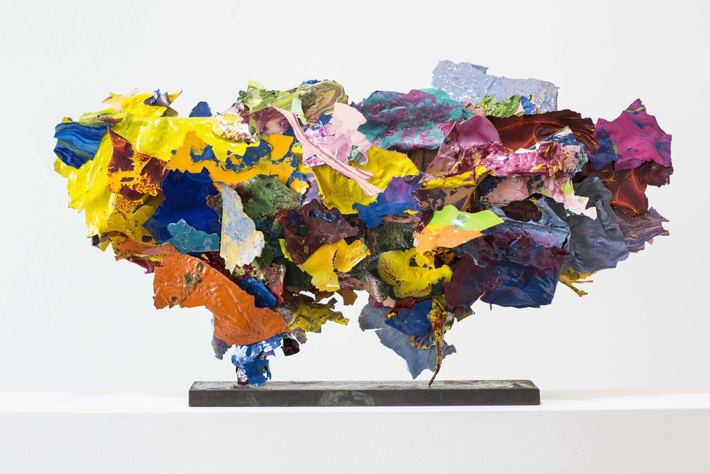 "Ariane Kipp: ""Color-X"", 2017, 58 x 33 x 8 cm, Lack und Stahl. Foto: Sabrina Wobker"