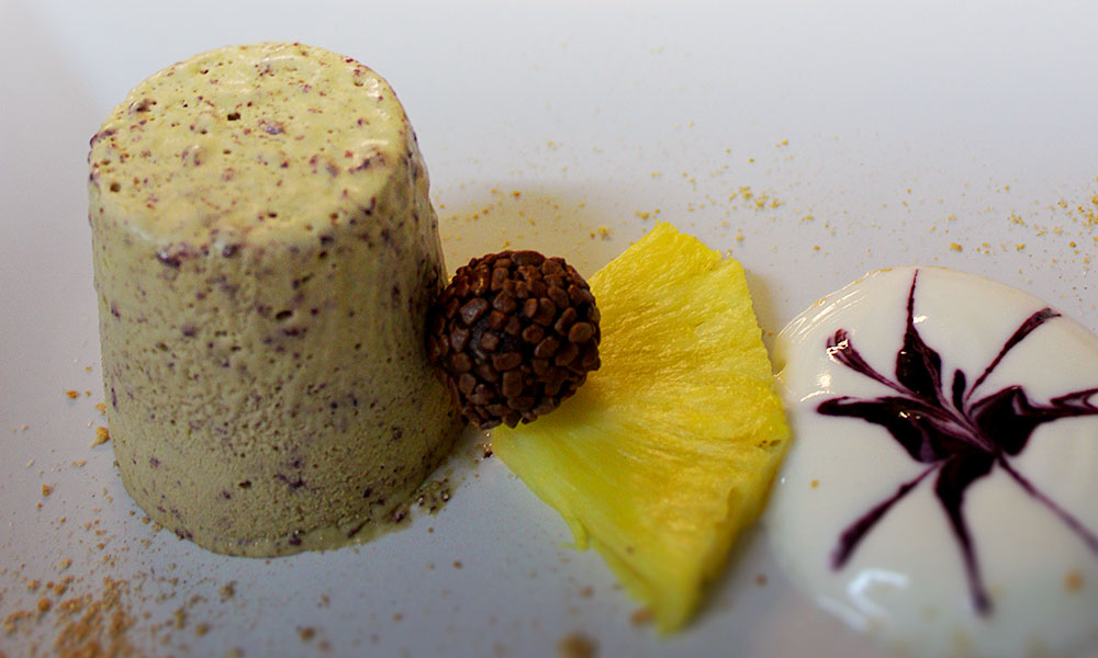 gk-slider5-restaurant-dessert-hausgemacht.jpg