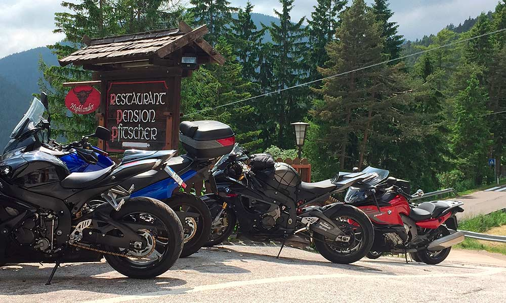 motorrad-fahrer-tagestour-berggasthof-pfitscher.jpg