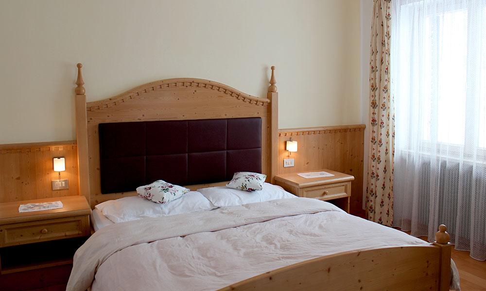 doppelzimmer-traditionell-landhaus-stil.jpg