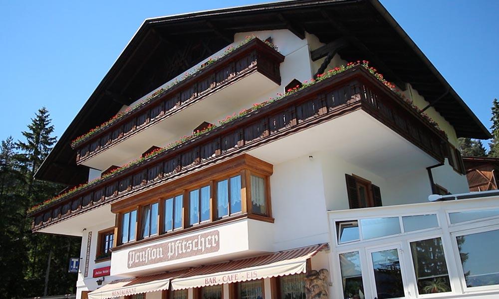 gk-slider1-berggasthof-restaurant-aussen.jpg