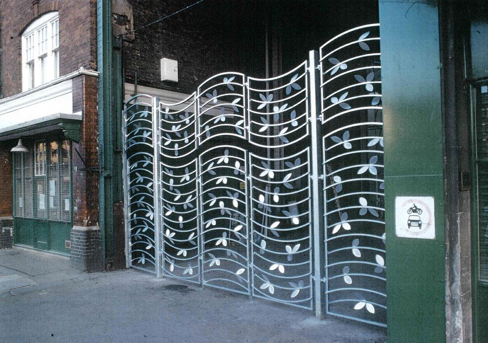 Galvanised steel gate for Spiatlfields Market.