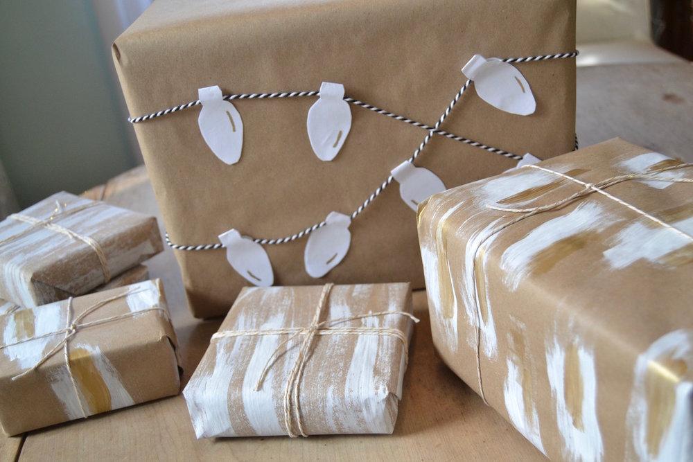 Christmas-lights-gift-wrap