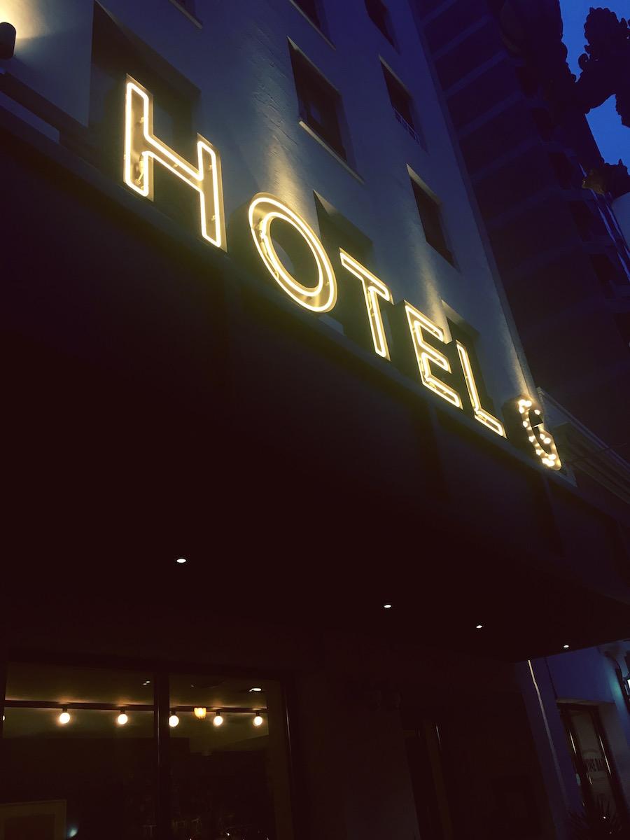 hotel-g-sign.JPG