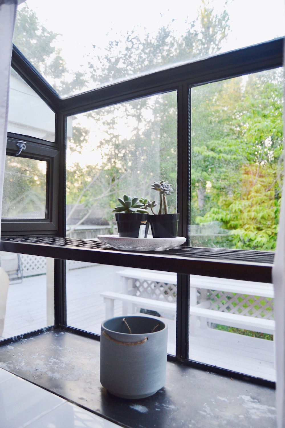 extended-bathroom-window