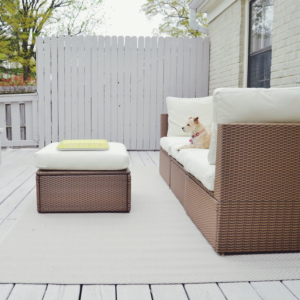 white-deck-with-ikea-furniture