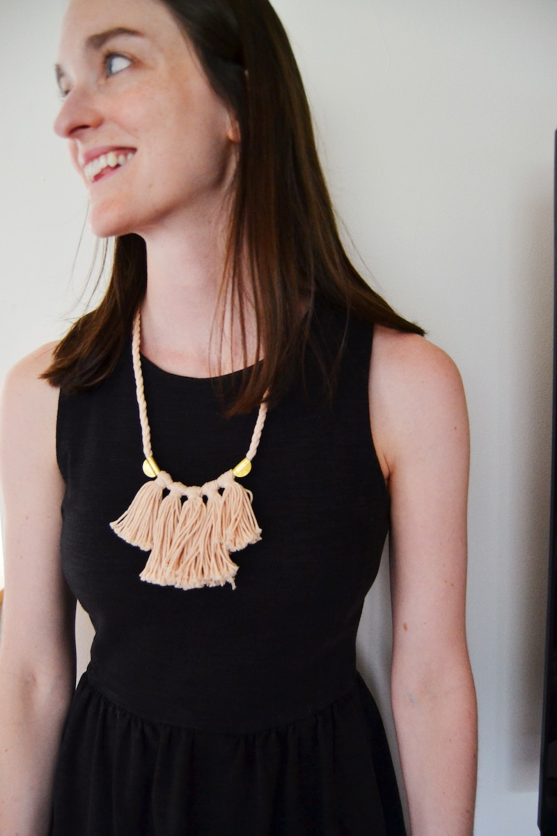 pink-fringed-madewell-necklace
